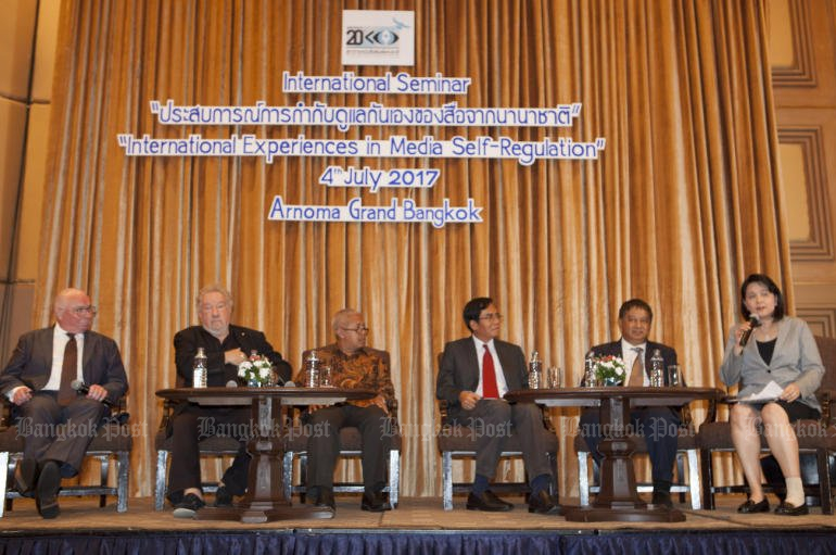Foreign backers of 'self-regulation' of the media by civil society and public complaints helped the National Press Council celebrate its 20th anniversary on Tuesday. (Photo by Pawat Laopaisarntaksin)