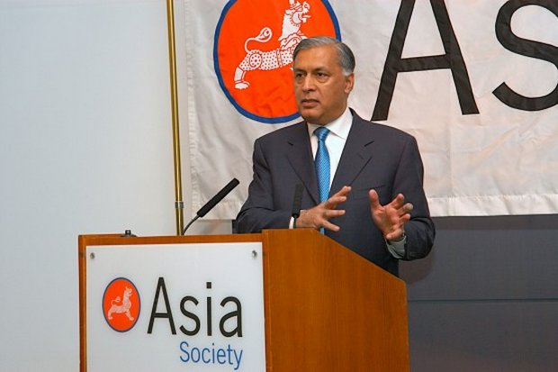 Shaukat Aziz was Prime Minister of Pakistan from 2004 to 2007. (Photo via Asiasociety.org)