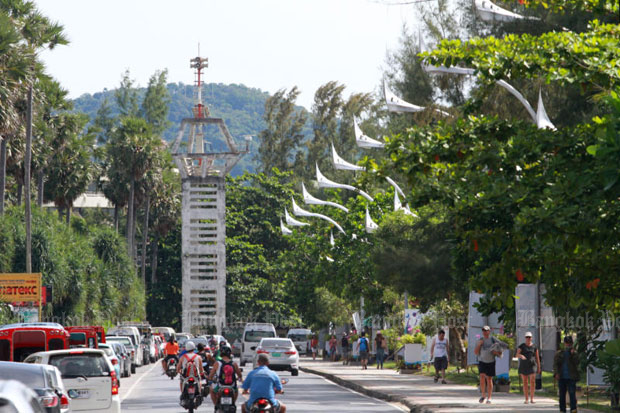 A tsunami warning tower near Karong beach in Phuket (Photo by Thiti Wannamontha)