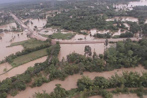 An aerial view shows an area in Sakon Nakhon is still flooded on Sunday. (Photo by Pratuan Kajornwuttisak)
