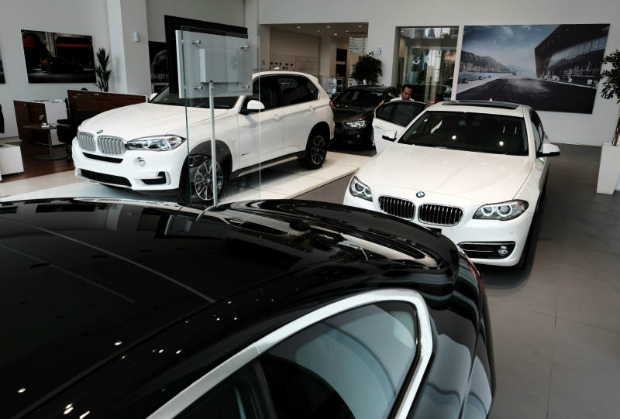 A man views a BMW car at a showroom in Jakarta, Indonesia January 11, 2017. (Reuters file photo)