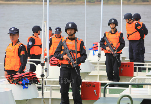Thai and Lao patrol boats ply the Mekong River in Chiang Saen district of Chiang Rai, in a joint operation to thwart drug trafficking, in September 2015.  (Tawatchai Kemgumnerd photo)