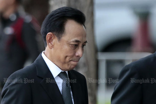 Former commerce minister Boonsong Teriyapirom arrives for the Supreme Court's ruling which he has been handed 42 years in jail. (Bangkok Post file photo)