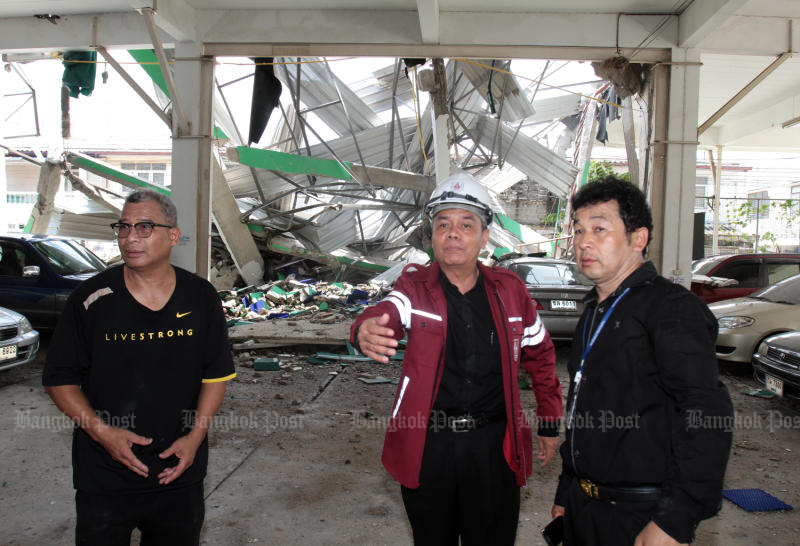The Engineering Institute of Thailand inspects the collapsed NP Court building in Muang district in Nonthaburi on Wednesday. (Photo and video by Tawatchai Kemgumnerd)