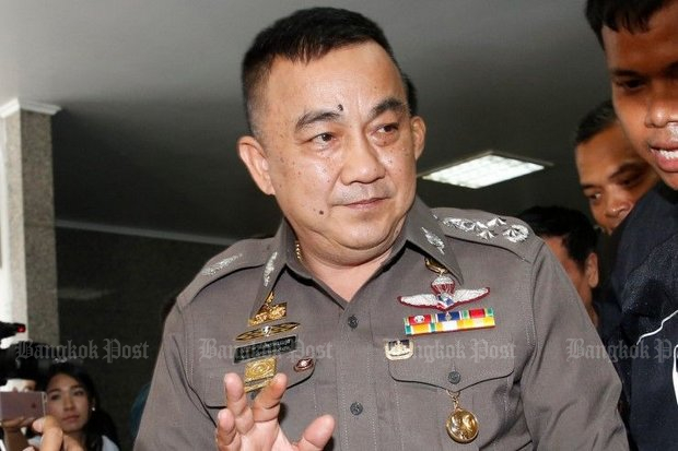 Deputy national police chief Pol Gen Srivara Ransibrahmanakul is putting his own dignity at stake in the great police drama over the so-called 'great escape' of ex-prime minister Yingluck Shinawatra. (Bangkok Post file photo)