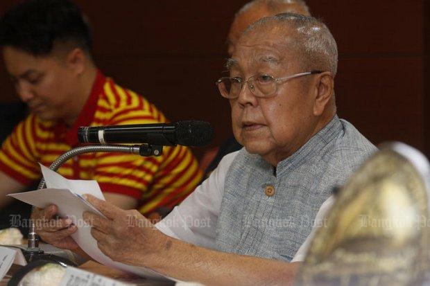 Sulak Sivaraksa speaks at a seminar at Thammasat University on June 24. (File photo by Pattarapong Chatpattarasill)