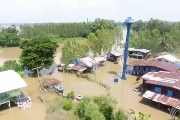 The Yom River has overflowed its banks and inundated many small villages in Sukhothai. (Video grab ThaiPBS)