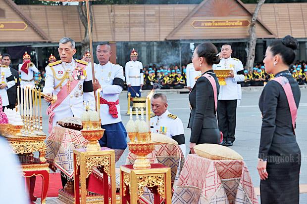 His Majesty the King, accompanied by Her Royal Highness Princess Bajrakitiyabha and Her Royal Highness Princess Sirivannavari Nariratana, pays respect to the King Rama V Equestrian Monument to mark Chulalongkorn Memorial Day at the Royal Plaza. Photo by Chanat Katanyu