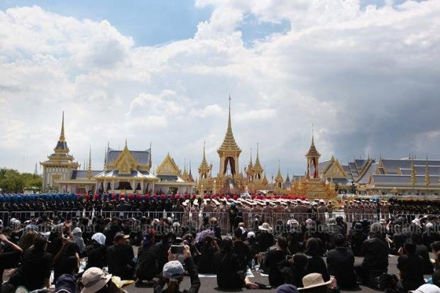 Crowds throng Sanam Luang during rehearsals for the royal funeral for the late King Bhumibol earlier this week. (Photo by Sunan Lorsomsab)
