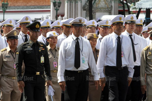 MR Pridiyathorn Devakula, centre, and members of other royal lineages join the rehearsal for the royal funeral procession Thursday at Sanam Luang. (Photo by Apichart Jinakul)