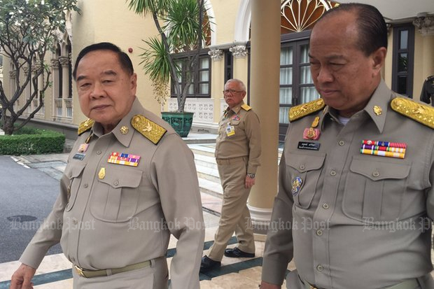 The top election planners, side by side at Government House: Deputy Prime Minister Gen Prawit Wongsuwon (left) in charge of security and Gen Anupong Paojinda, Minister of Interior in charge of organising all polls, local and national. (Photo via Twitter/@wassanananuam)