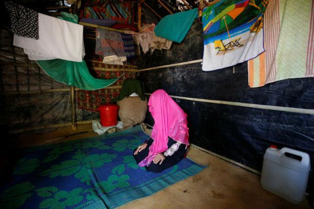 A rape victim poses in a Makeshift Refugee Camp in Cox's Bazar, Bangladesh, April 11, 2017. (Reuters photo)