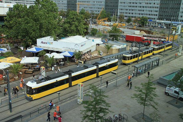 In Berlin, people move around conveniently and affordably, by bike, bus, train, and private vehicle. (Photo berlin.de)