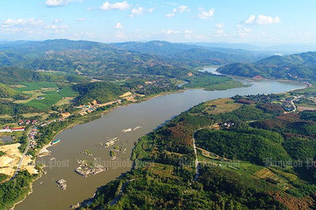 Beijing may be backing away from insisting these and other islets and shoals in the North be dynamited to make way for big Chinese river boats. (File photo)