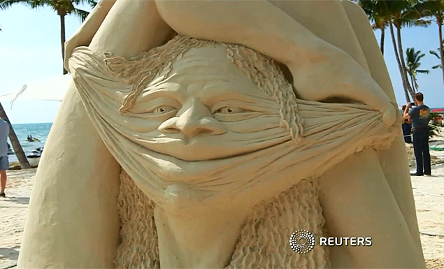 Artists build sand sculptures at Florida competition