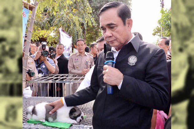 Retired army general and Prime Minister Prayut Chan-o-cha has not been seen in a military uniform in a while and now admits, 'I am no longer a soldier'. (Twitter/@wassanananuam)