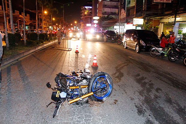 The wreckage of the powerful Kawasaki Z900 motorbike on Pattaya Road, Chon Buri province after it hit a South Korean man crossing the road in the early hours of Tuesday. The pedestrian, Russian bike rider and his pillion passenger were killed. (Photo: Chaiyot Pupattanapong)