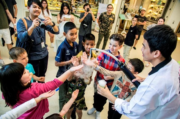 Children enjoy a science activity at Central Embassy, which organises several events to mark National Children's Day, which this year is on Saturday. (Photo supplied)