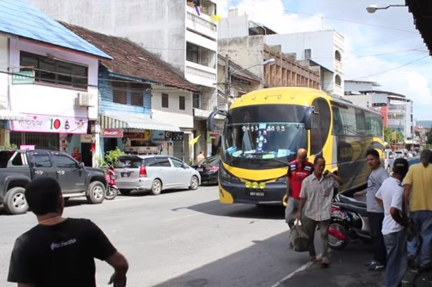 Malaysian-owned buses have operated openly between Malaysian cities and Hat Yai for years. (Screen grab YouTube/Shaan Uday)
