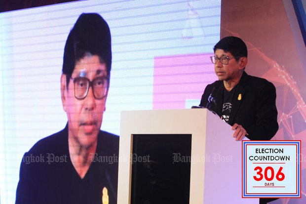 Deputy Prime Minister Wissanu Krea-ngam: Election delay may be just for a month or so. (File photo by Somchai Poomlard)