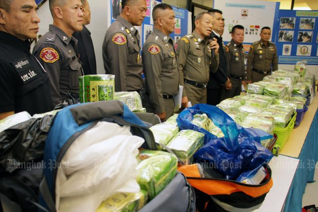 An 'ant army' of smugglers move drugs across the Myanmar and Lao borders in small amounts, after which they are merged into large consignments like this 250kg package of crystal methamphetamine (<i>yaa ice</i>)seized on a train to the South a week ago. (Photo by Tawatchai Kemgumnerd)
