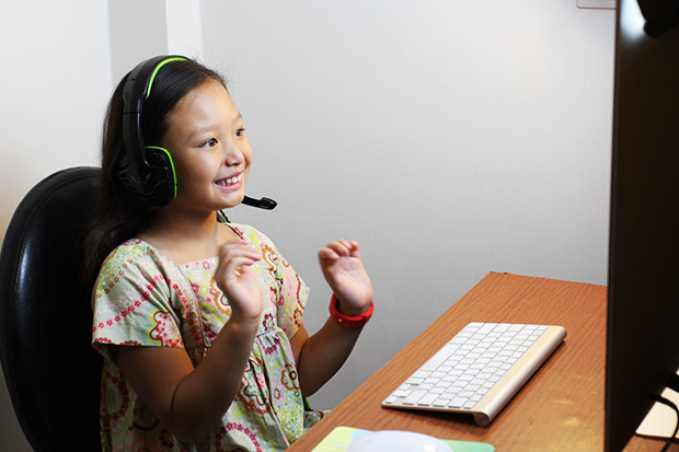 English Gang gives online reading, writing and conversation skills for children at home.