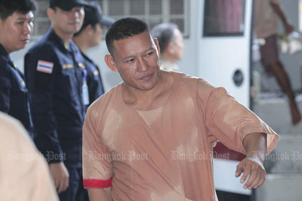 Lao drug lord Xaysana Keopimpha arrives at the Criminal Court on April 17, 2017 after being taken from the Central Correctional Institution for Drug Addicts. On Tuesday he was sentenced to life imprisonment.(Photo by Patipat Janthong)