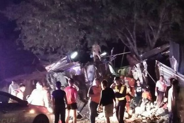 A bus driver lost control at a curve and smashed into roadside stalls on Highway 304 in Wang Nam Khiao district in Nakhon Ratchasima on Wednesday evening. (Twitter/js100radio)