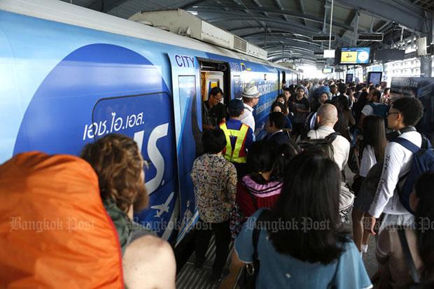 SRT adds slow train as commuters slam Airport Rail Link