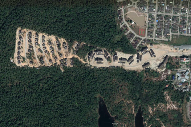 A photo captured from Google Maps shows the housing site for the Appeal Court in Mae Rim district, Chiang Mai.