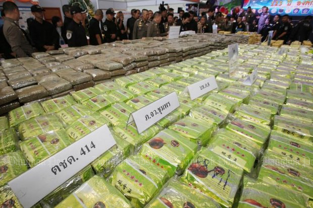 Anti-drug agents made an impressive haul of more than 1,500kg of amphetamine-type stimulants and heroin in late March and early April but it's only a minor dent in the relentless supply lines of drugs coming from Myanmar. (File photo by Apichit Jinakul)
