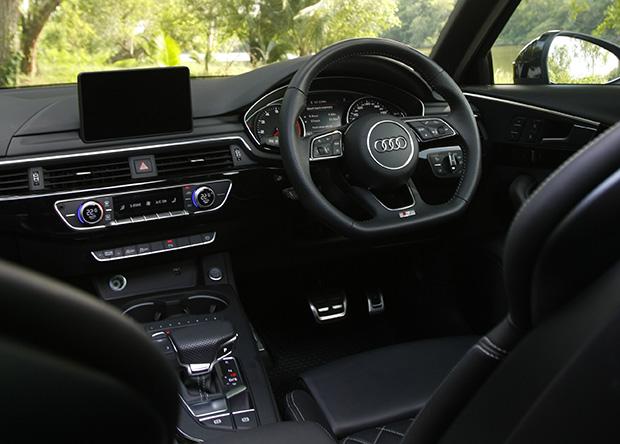 Audi A4 Avant 45 Tfsi Quattro S Line Black Edition 2018 Review