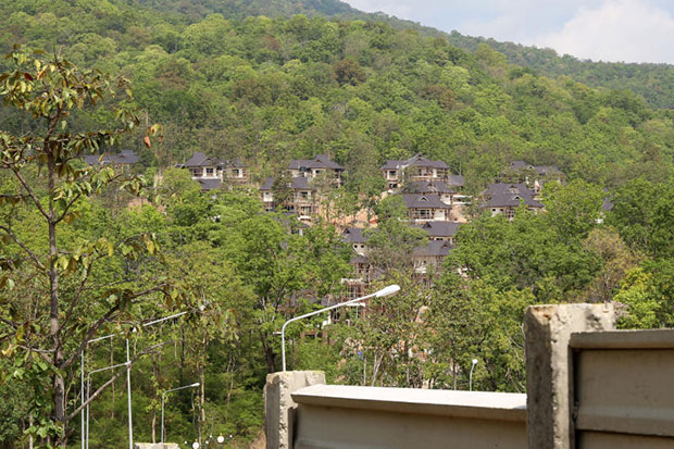 The construction site of a luxury housing project earmarked as homes for judges on the foothills of Doi Suthep mountains is seen in Mae Rim district, Chiang Mai. (Reuters photo)