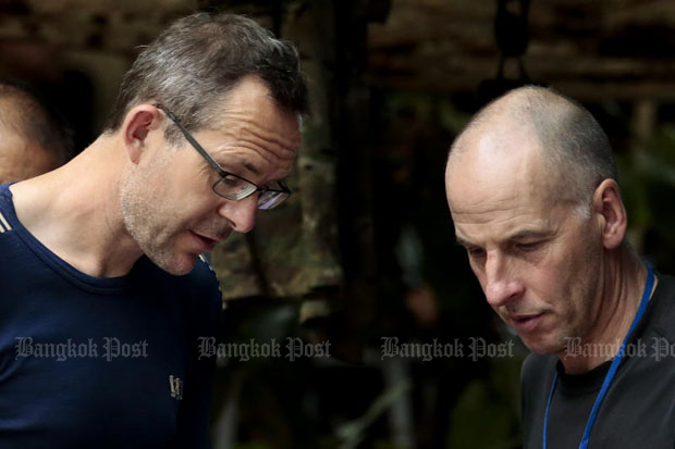 John Volanthen, left, and Richard Stanton (photo by Patipat Janthong)
