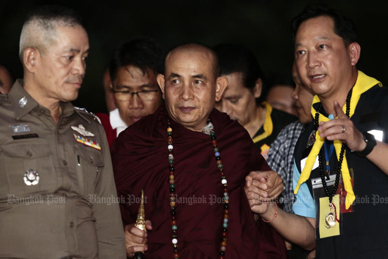 Famous monk Kruba Boonchum Yannasangwalo returns to the Tham Luang cave complex in Chiang Rai for another religious ceremony on Wednesday. (Photo by Patipat Janthong)