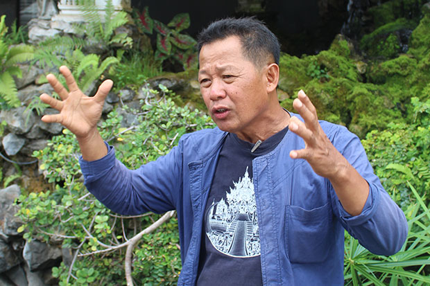 Renowned national artist Chalermchai Kositpipat says the statue, to be twice life-size, will be put at the Tham Luang Khun Nam Nang Non Forest Park in Chiang Rai's Mae Sai district.  (Photo by Theerawat Khamthita)
