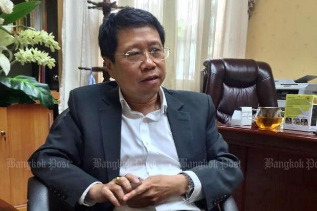 Education Minister Teerakiat Jareonsettasin: Still working on school admission plan.