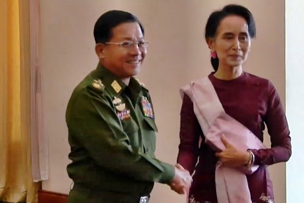 The reputation of Myanmar's leader Aung San Suu Kyi has dropped over her support for army commander Snr Gen Min Aung Hlaing and his policy of violent ethnic cleansing of the Rohingya. (File photo)