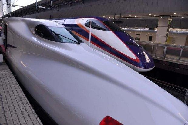 Bullet trains in Japan. The State Railway of Thailand says estimates of passengers on the planned Bangkok-Chiang Mai Shinkansen-like 'bullet train' are wildly exaggerated. (File photo)