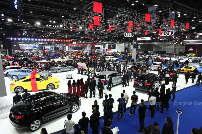 Domestic car sales could reach 980,000 units this year, accoriding to ToyoTa Motor Thailand. (Post Today photo)