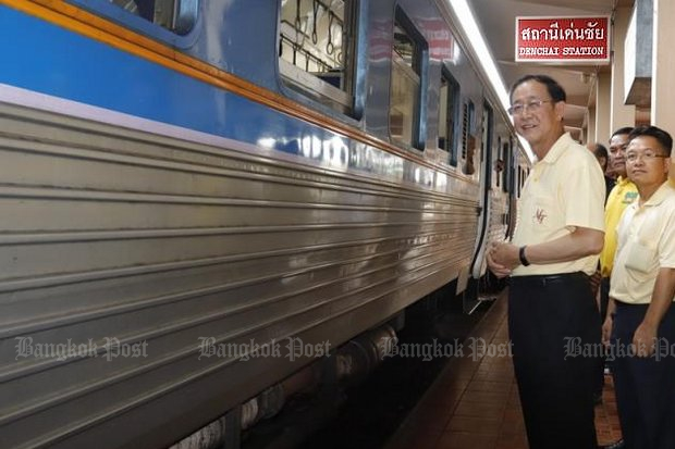 Minister of Transport Arkhom Termpittayapaisith visited Den Chai station on July 8 to check readiness for the new line. Den Chai district of Phrae province is already served by the main Bangkok-Chiang Mai railway line, but the planned new link to Chiang Khong will be the first rail line to the Golden Triangle area in the far North. (Post Today photo)