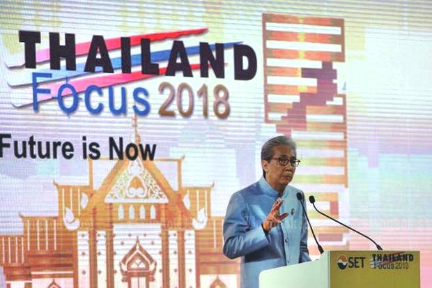 Deputy Prime Minister Somkid Jatusripitak makes a point in his speech at the 'Thailand Focus 2018' seminar, saying that economic growth this year will likely outstrip a previous projection of 4.5%. (Photo by Tawatchai Kemgumnerd)