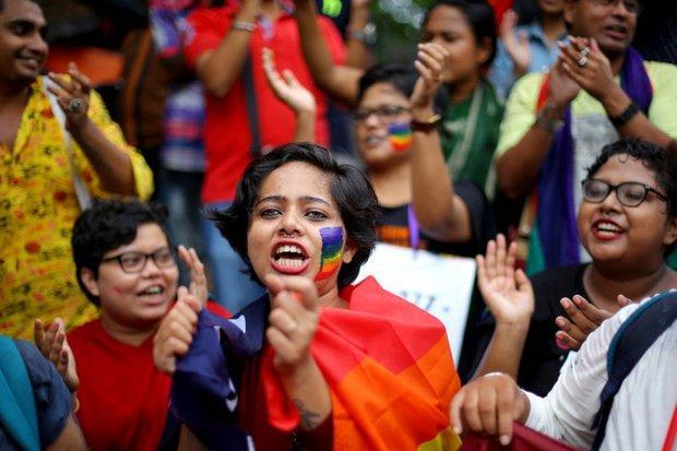 Homofil sex show Thailand