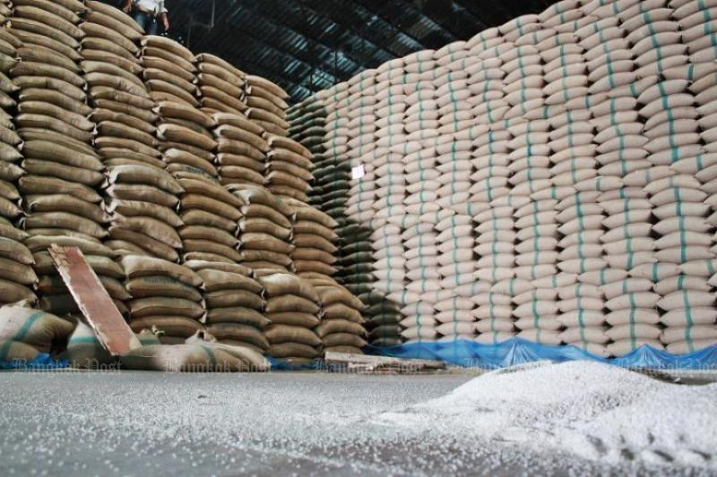 The Foreign Trade Department has completed its mission to clear off 16.91 million tonnes of state rice stocks accumulated from government-sponsored rice pledging schemes. (Bangkok Post photo)