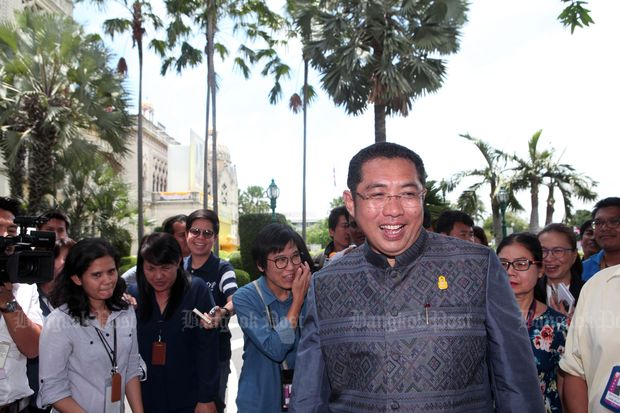 Sonthaya Khunpluem reports for work as adviser on political affairs to the prime minister at Government House in Bangkok on June 4. He is now a new Pattaya mayor. (Photo by Apichart Jinakul)