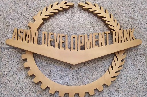 The Asian Development Bank has raised its forecast of Thai GDP growth, but it is still the lowest among Asean's developing nations. (File photo)