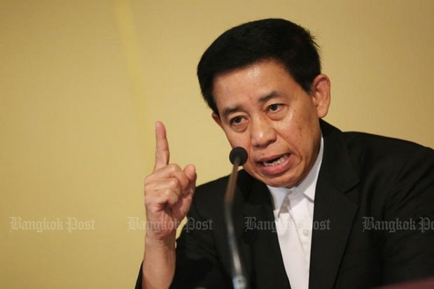 The official chief spokesman and head of the Public Relations Department of the military regime, Lt Gen Sansern Kaewkamnerd, points the finger of blame at apathy for slow public acceptance of the Sustainable Thainess campaign. (File photo)