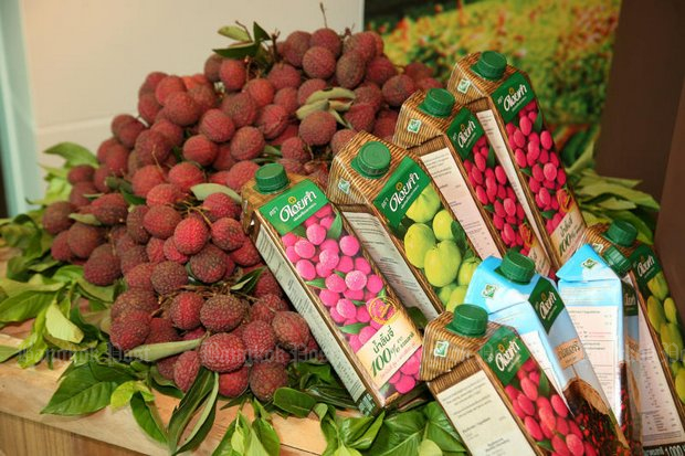 Doi Kham claims sales have dropped 40% since the Excise Department slapped on tax on 'sugary drinks' that covers the natural sugar in fruit. (File photo by Kosol Nakachol)