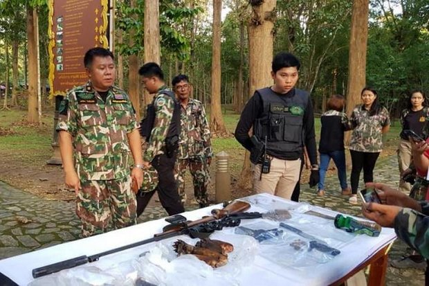 A Kanchanaburi court has bailed a deputy district chief and 10 others accused of poaching bearcats in Sai Yok National Park and cutting off their paws (centre) presumably for 'gourmet' dining. (Photo Courtesy Sai Yong National Park)