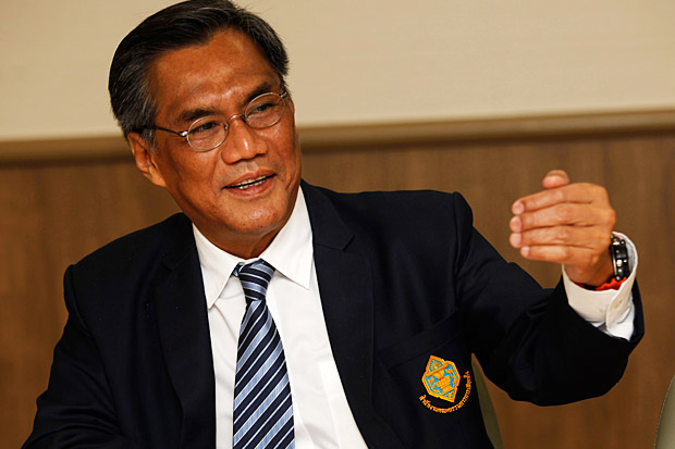 DID IT HIS WAY: Election Commission chairman Ittiporn Boonpracong, a former diplomat, says no one backed him to apply for the chairman job. photo: VARUTH HIRUNYATHEB
